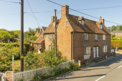 High Street, Littlebourne, CT3. 4 bedroom semi-detached house