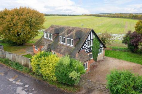 Radfall Road, Chestfield, Nr Whitstable, CT5. 4 bedroom detached house for sale