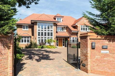 Aldenham Avenue, Radlett, Hertfordshire. 5 bedroom detached house for sale