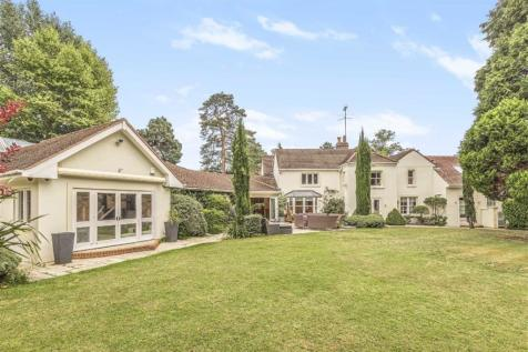 Aldenham Road, Letchmore Heath. 6 bedroom detached house for sale
