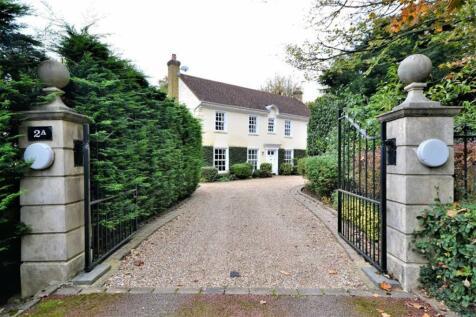 Coombehurst Close, Hadley Wood, Hertfordshire. 5 bedroom detached house for sale