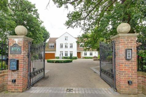 Beech Hill, Hadley Wood, Hertfordshire. 7 bedroom detached house for sale