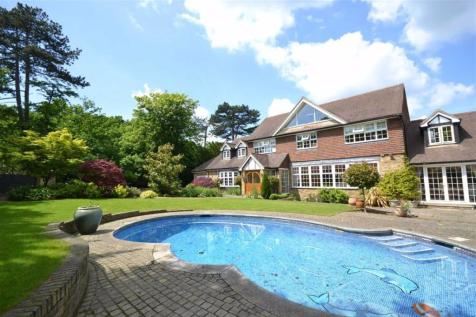 Beech Hill, Hadley Wood, Hertfordshire. 5 bedroom house for sale