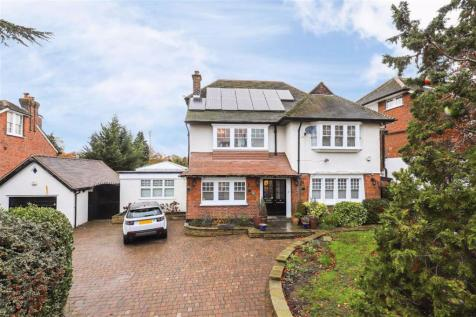 The Chine, Winchmore Hill. 5 bedroom house for sale