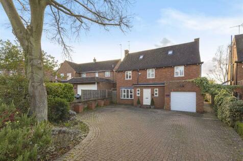 Crescent West, Hadley Wood, Hertfordshire. 5 bedroom house for sale