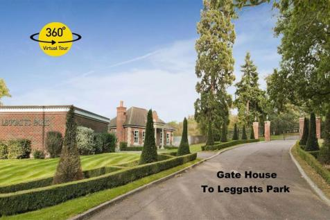 Leggatts Park, Potters Bar, Herts. 5 bedroom detached house for sale