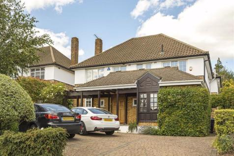Greenbrook Avenue, Hadley Wood, Hertfordshire. 5 bedroom house for sale