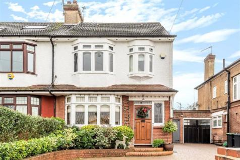 Vicars Moor Lane, Winchmore Hill. 4 bedroom house for sale