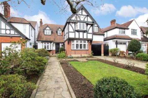 Eversley Crescent, Winchmore Hill property