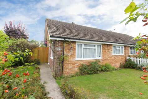 Evenhill Road, Littlebourne, Canterbury. 2 bedroom semi-detached bungalow