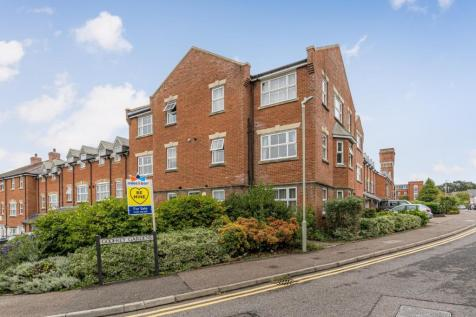 Gardeners Place, Chartham, Canterbury. 2 bedroom flat