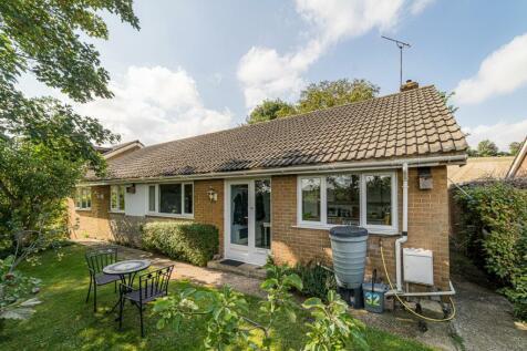 Heathfield Way, Barham, Canterbury. 4 bedroom detached bungalow