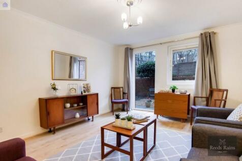 Cooper Close, London, SE1. 2 bedroom flat
