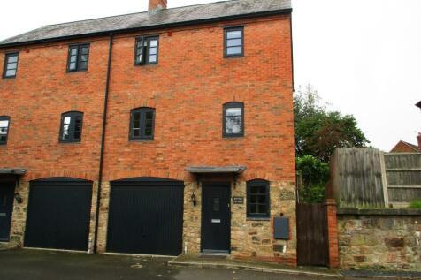 Benbow Quay, Shrewsbury, Shropshire, SY1. 3 bedroom semi-detached house