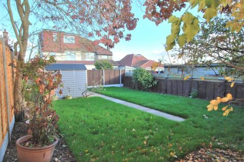 Holland Road, Wembley, Middlesex. 3 bedroom flat