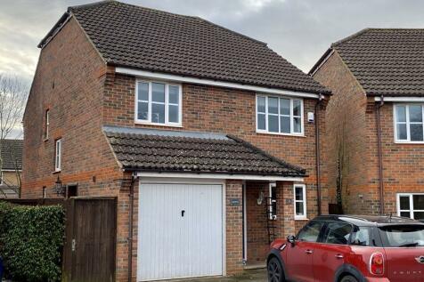 Orchard Close, Caddington. 4 bedroom detached house