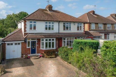 Extended Semi Detached Home, Caddington. 3 bedroom semi-detached house