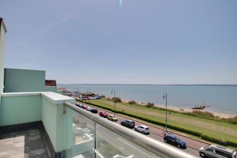 PROMENADE COURT, MARINE PARADE WEST, LEE-ON-THE-SOLENT. 2 bedroom penthouse