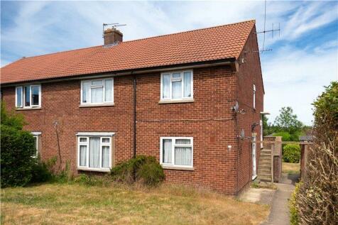 Wallingford Walk, St. Albans, Hertfordshire. 2 bedroom maisonette for sale