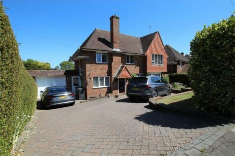 Melvill Lane, Willingdon, Eastbourne, BN20. 4 bedroom detached house