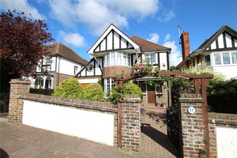 Ashburnham Road, Eastbourne, East Sussex, BN21. 4 bedroom detached house