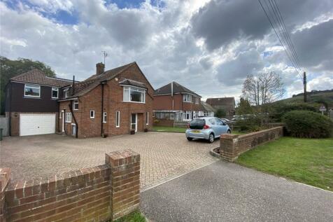 Wannock Lane, Eastbourne, East Sussex, BN20. 5 bedroom detached house