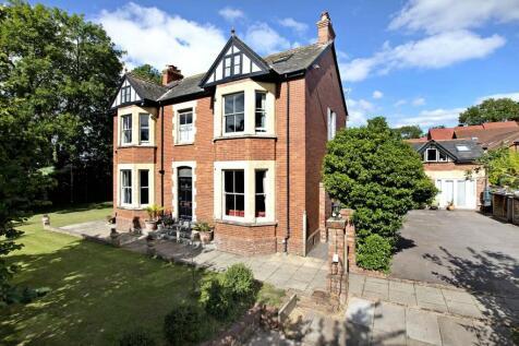 Pinhoe, Exeter. 6 bedroom detached house for sale