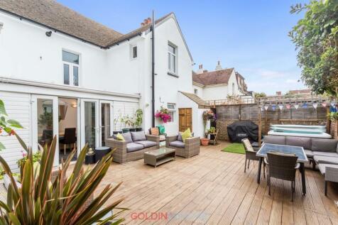 Langdale Gardens, Hove. 4 bedroom detached house for sale