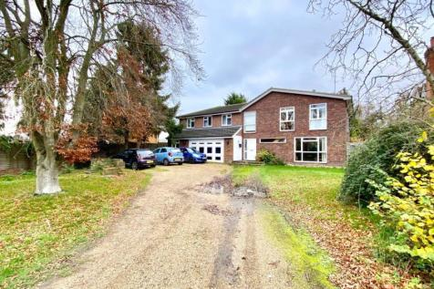 Mill Lane, Sindlesham, Wokingham, Berkshire, RG41. 4 bedroom detached house for sale
