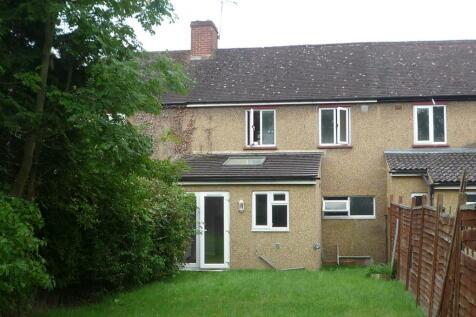 Canterbury Road, Guildford, Surrey, GU2. 5 bedroom terraced house