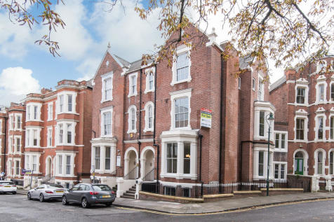 Apartment 11a Playhouse Square, East Circus Street. 2 bedroom apartment for sale