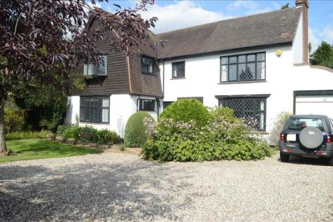 Roxwell Road, Chelmsford. 4 bedroom detached house