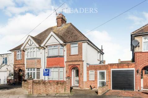 Everard Road, Bedford MK41 9LD. 4 bedroom semi-detached house