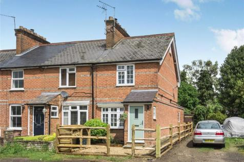 Heathill Cottages, Heath Hill Road South, Crowthorne, Berkshire, RG45. 3 bedroom end of terrace house