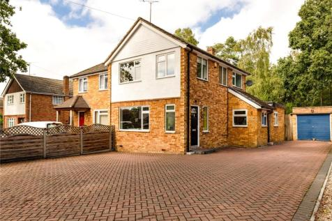 Hatch Ride, Crowthorne, Berkshire, RG45. 3 bedroom semi-detached house