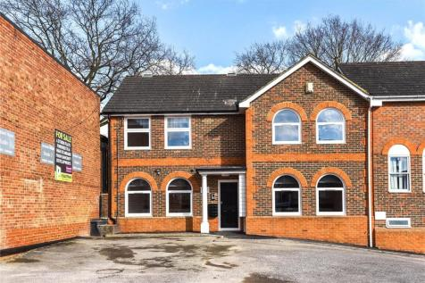 Stratfield House, 265 High Street, Crowthorne, Berkshire, RG45. Studio flat