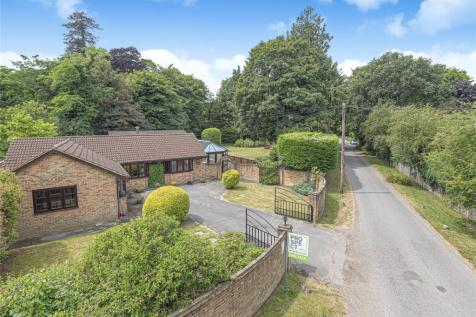 Heathlands Road, Wokingham, Berkshire, RG40. 5 bedroom detached house for sale