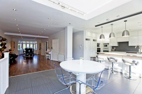 Portsdown Avenue, London NW11. 6 bedroom detached house for sale