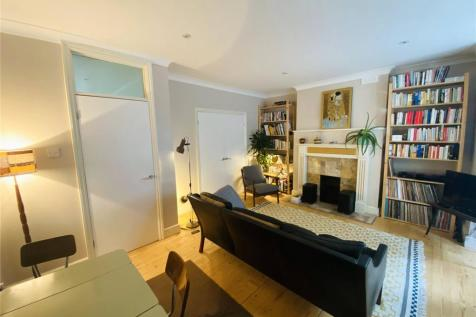 Barry Road, East Dulwich, SE22. 1 bedroom apartment