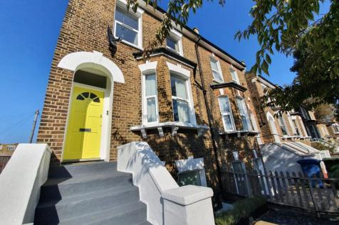 Tyrrell Road, East Dulwich, SE22. 2 bedroom apartment