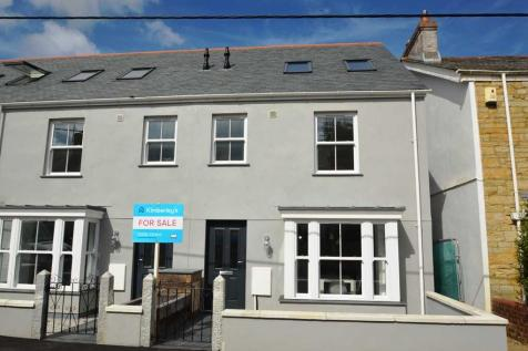 TRURO. 4 bedroom end of terrace house