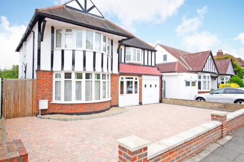 Kings Avenue, Bromley, Kent, BR1. 4 bedroom detached house