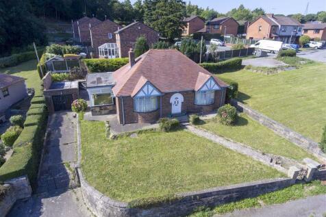 Farm Lane, Tanyfron, Wrexham. 2 bedroom detached bungalow