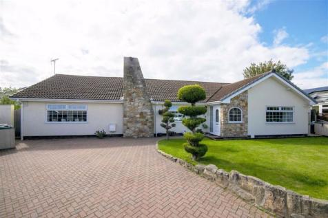 Ffordd Elan, Wrexham. 4 bedroom detached bungalow for sale