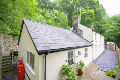 Ffrith. 4 bedroom cottage
