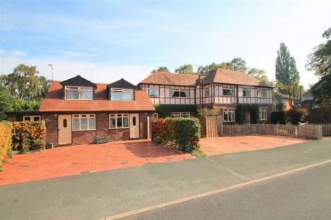 Westminster Drive, Wrexham. 4 bedroom detached house for sale