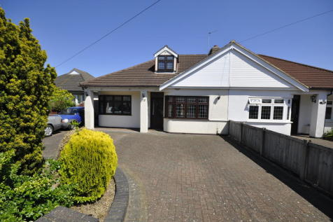 Clydeway, Romford. 4 bedroom semi-detached bungalow for sale
