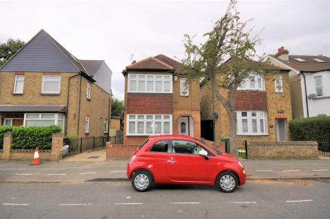 Princes Road, Romford. 3 bedroom detached house for sale