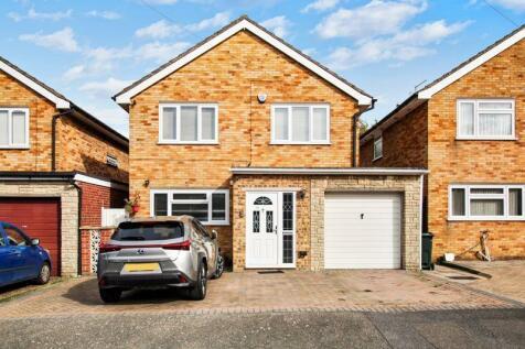 Wayville Road, Dartford. 4 bedroom detached house
