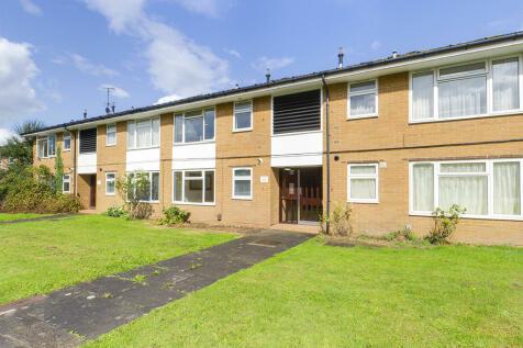 Rathgar Close, Redhill. 1 bedroom ground floor flat